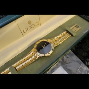 Gucci 3300M Gold Plated Watch Works Great